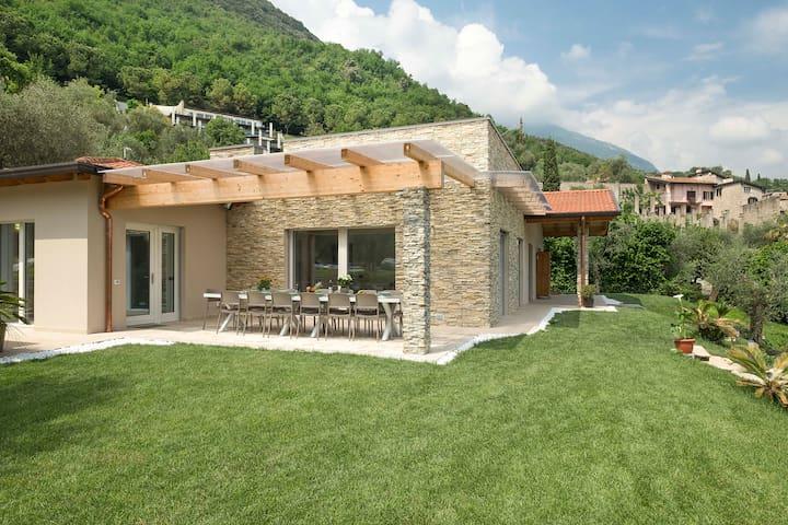 """Villa Lucia - Double Apartment """"Limoni & Iris"""""""