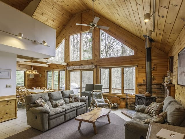 Caldon Cabin - Waterville Estates Log Home Getaway