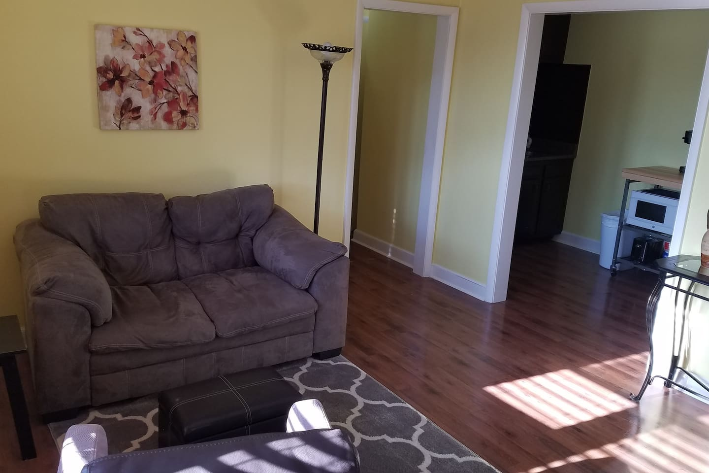 Two bedroom (queen and full size mattresses) private suite great for workforce.  Includes kitchen, living room, and bathroom.