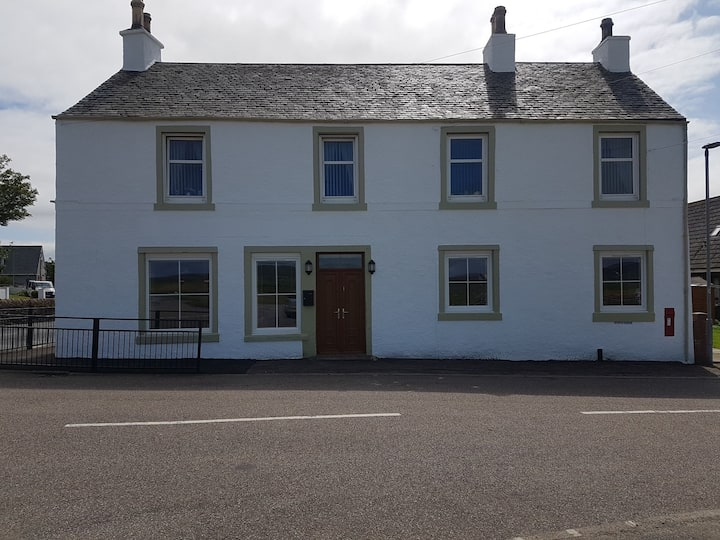 Modern 1 bed Apartment close to Campbeltown.