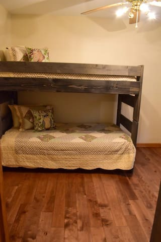 Twin Bunk Bed Room Owl Hollow