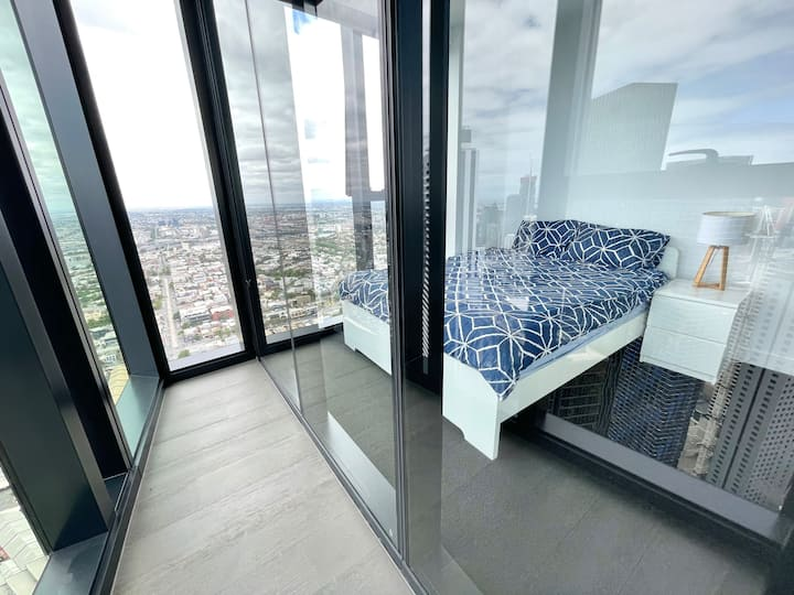 Skyline view LuxuryBedroom in MelbCity, FREETRAM