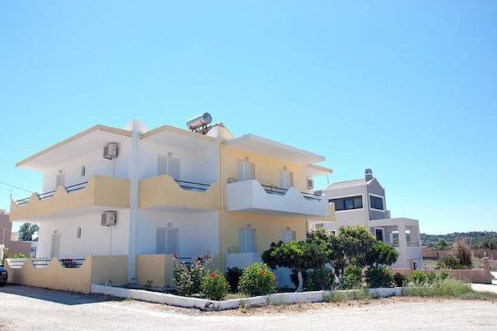 YIANNIS APARTMENTS MASTICHARI