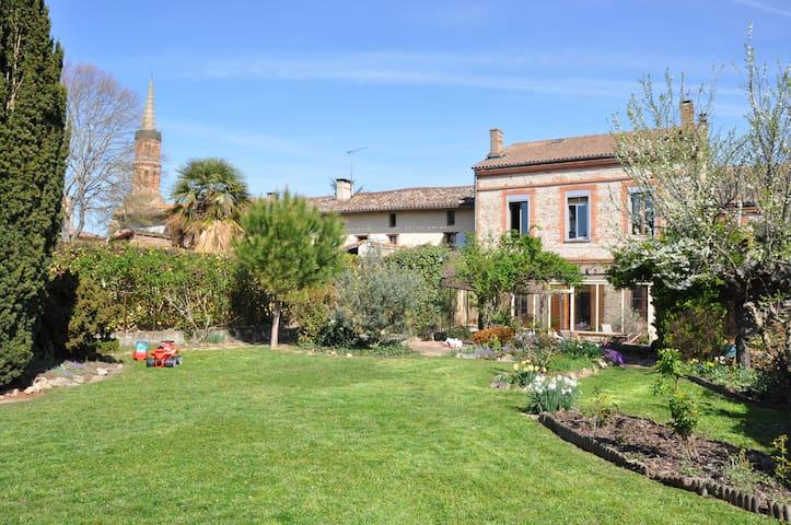 Maison de Maître en campagne Toulousaine. - Launac - House