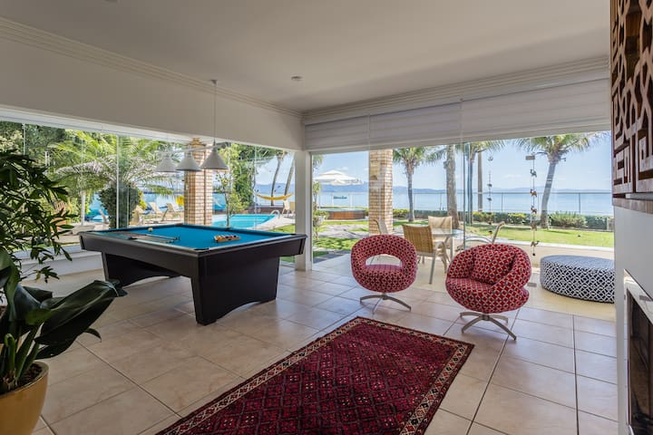 Luxury Beachfront House with Pool and Barbecue.