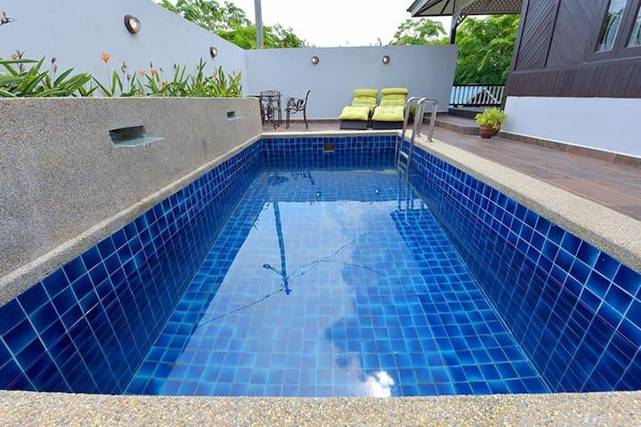 Malacca Villa With Private Pool