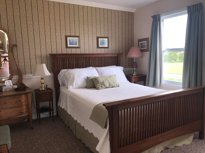 The Birches Executive Cottage(rose) near ch'town