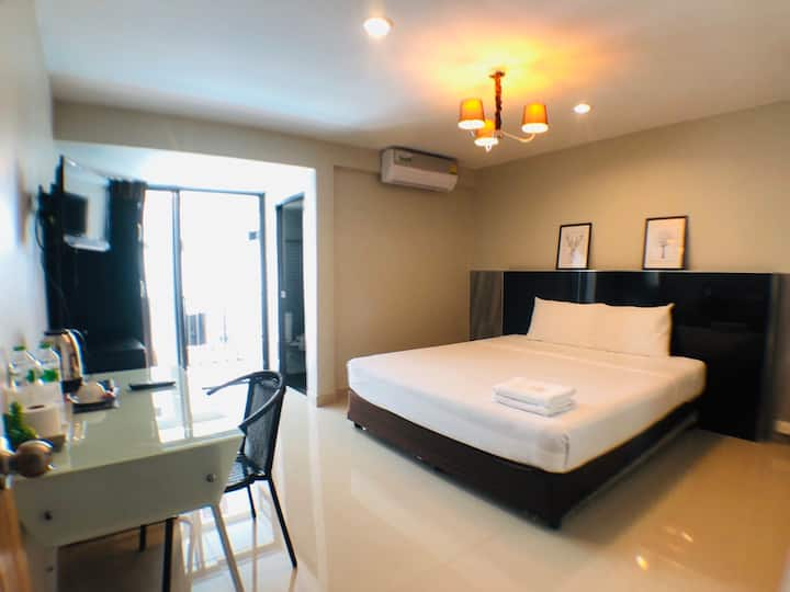 Clean Superior Double Room at Sumalee Residence