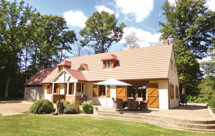 Holiday cottage with 3 bedrooms on 136 m² in Pullay