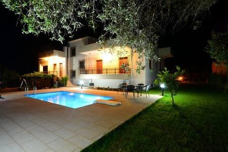Villa Chrissi - Villa