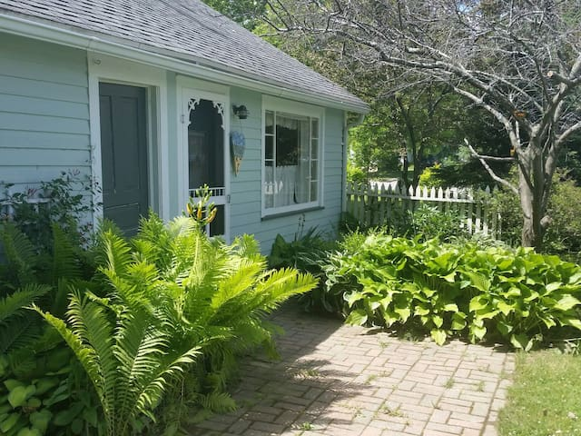 Port Sanilac Sweetest little cottage! New in 2017!