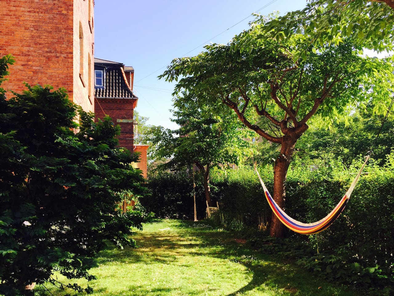 Enjoy our green garden, right in the midle of trendy Vesterbro