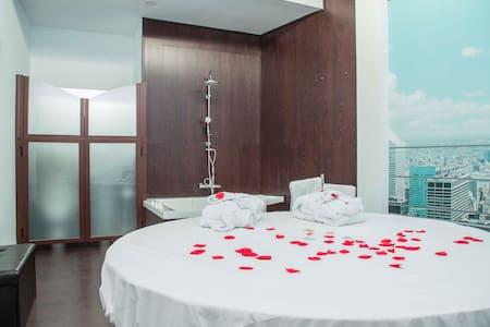 Hotel temático,romántico y original 958 289473 - Granada - Retkeilymaja