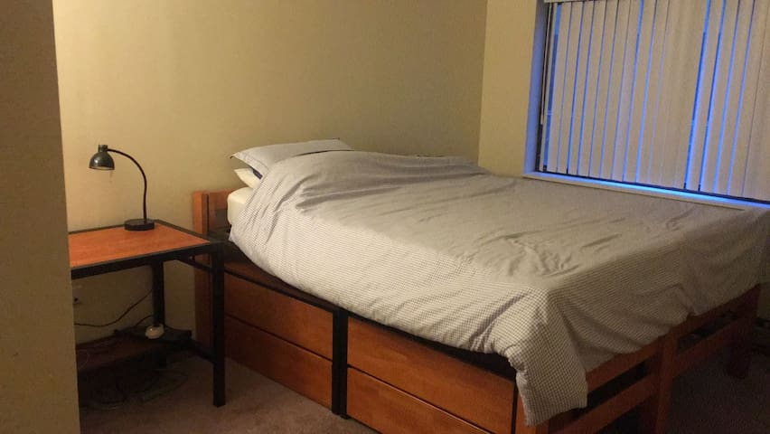 Excellent Downtown Nice Apt STAY in STATE COLLEGE!