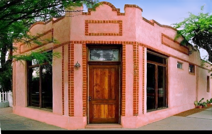 Stylish, Historic Bakery★Perfect Downtown Location