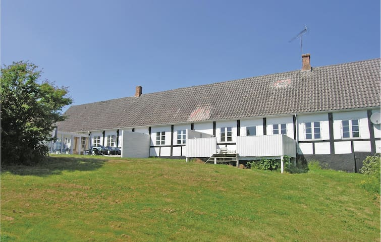 Holiday apartment with 4 bedrooms on 160m² in Aakirkeby