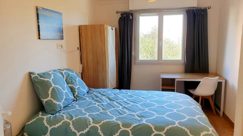 """Nice Ouest single room """"Chambre"""""""