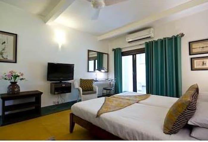 Room 162 - Deluxe with balcony