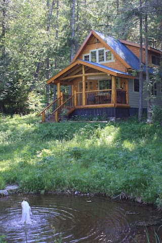 Robin's Nest Cabin on Historic Estate - Crawford Bay - Cabana
