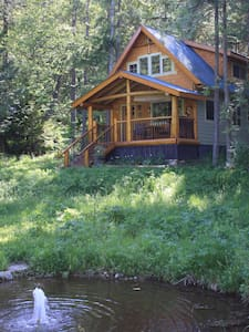 Robin's Nest Cabin on Historic Estate - Crawford Bay - Kabin