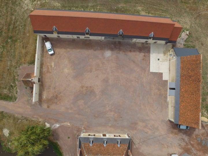 Corps de ferme rénové 200 m2 sans voisinage