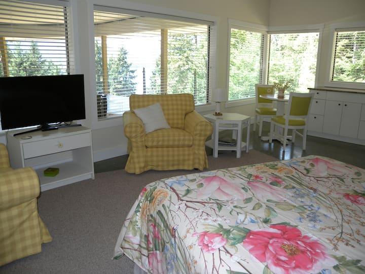 Collins House B&B - Cloud 9 Queen ocean-view Suite