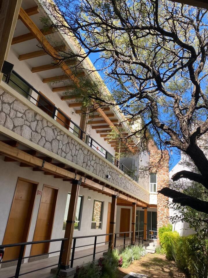 Acogedor hotel a 2 calles del centro de Bernal