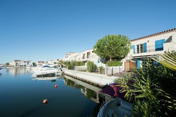 Comfortable Villa near Sea in Aigues-Mortes