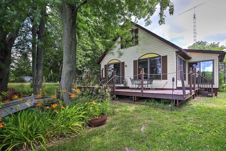 Coldwater Cottage on Dragon Lake w/ Dock & Deck!