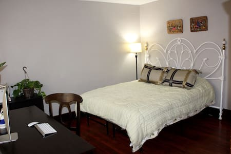 Executive Room-Private Entrance- Stadiums/Downtown - Pittsburgh