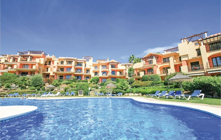 Holiday apartment with 2 bedrooms on 74m² in Benahavis