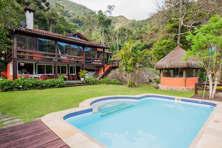 Casa de Campo na Fazenda Inglesa - Petrópolis - RJ