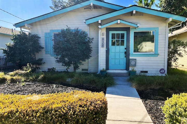 Charming Downtown Bungalow Getaway-near Fairground