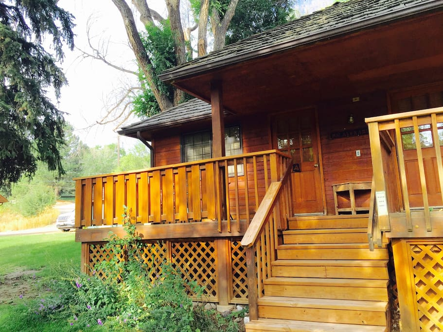 Mr alexander a cozy ranch cabin near the river for Airbnb cabins california