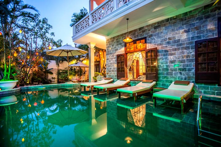 Ngan Phu Villa- Double room with breakfast