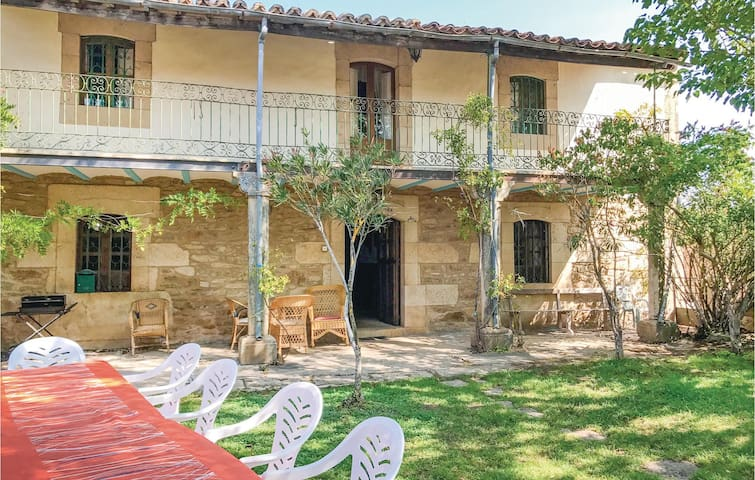 Holiday cottage with 6 bedrooms on 250 m² in Pozos de Hinojo