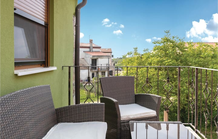 Nice home in Novigrad with WiFi and 2 Bedrooms