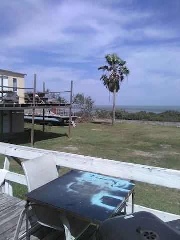 Very laid back beach house on Bay. - Port Isabel
