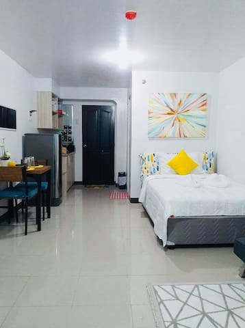 Affordable Homey Stay in the City