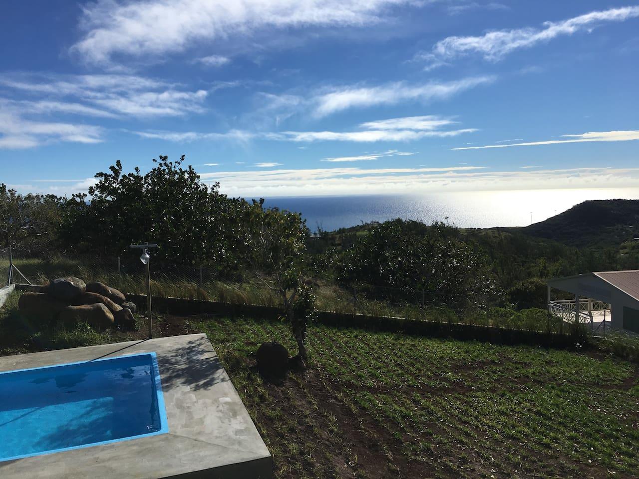 Pool + seaview