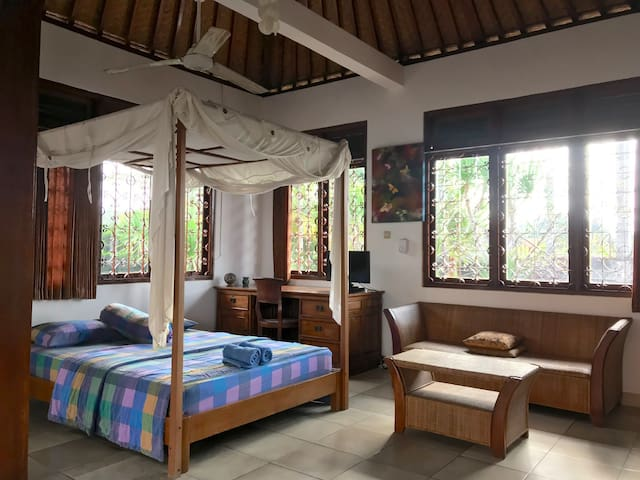 Upstairs Condo With A View In Central Ubud