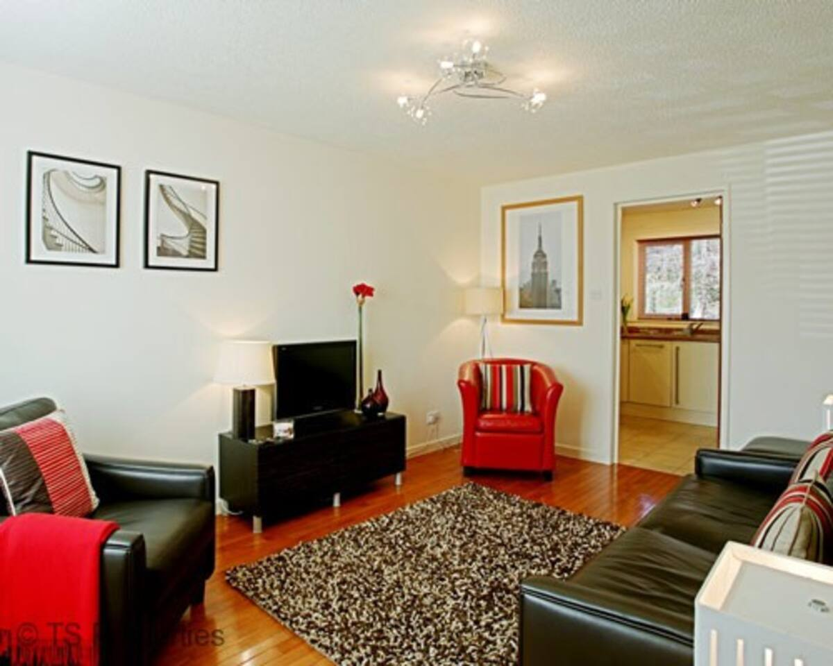 Gleneagles Cottage - Lounge
