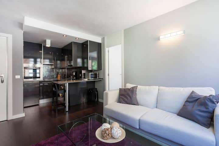 Comfy apartment in great neighborhood