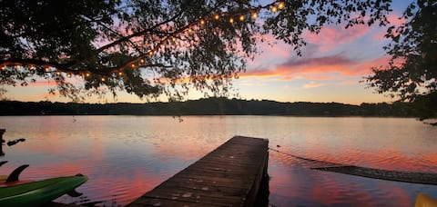 Private Lakefront Getaway