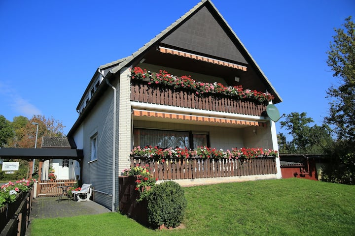 Cozy Apartment near Forest in Hullersen