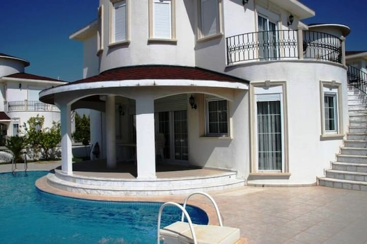belek kiralik villa -kiralik villa belek - Serik - Pis