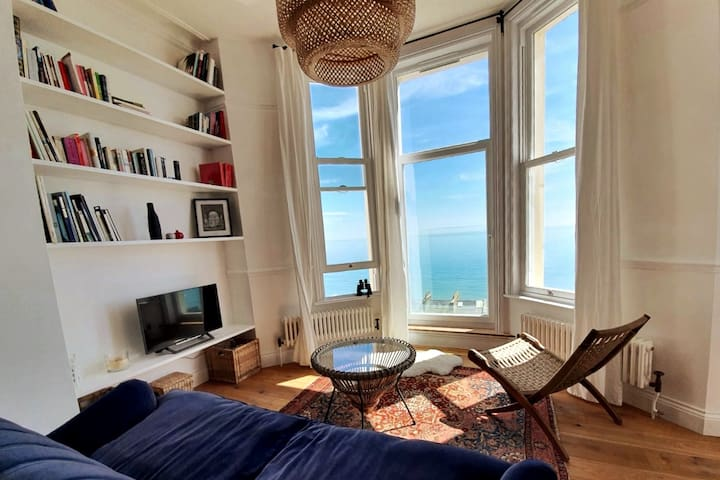 Stunning sea views from beautiful Victorian flat