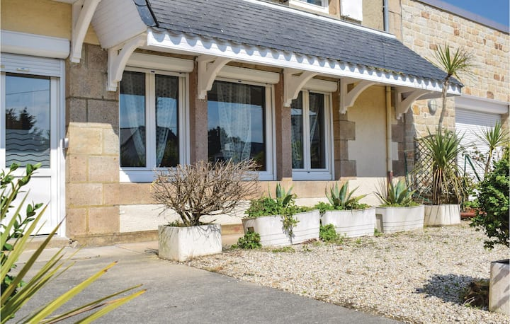 Holiday apartment with 1 bedroom on 44m² in Trebeurden