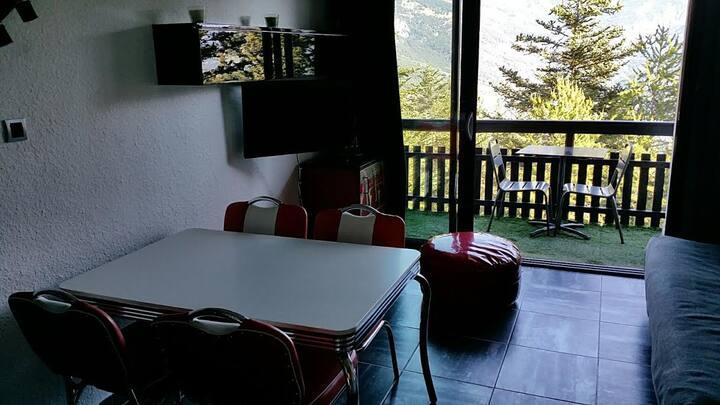 Pra-Loup 1600 studio  4 personnes avec vue vallée