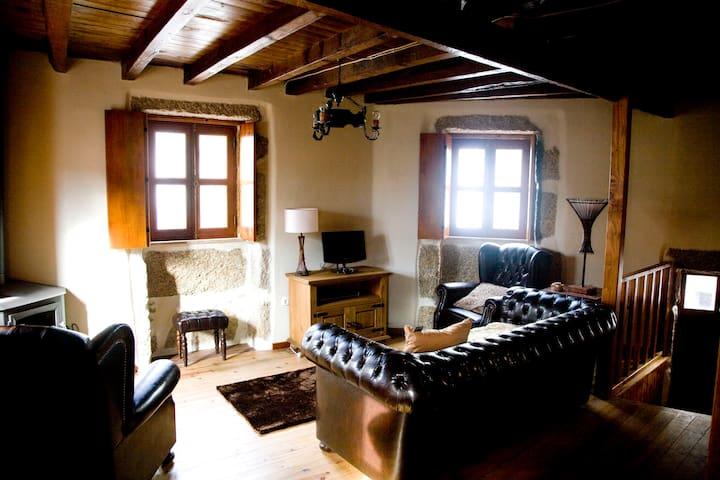Casas do Mocho Sabugueiro Serra da Estrela - Sabugueiro - Casa